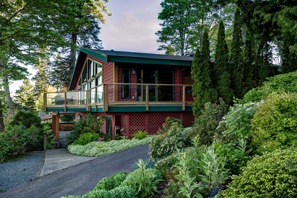 These Oceanfront Cedar Cottages in Campbell River have us Dreaming of a North Island Getaway